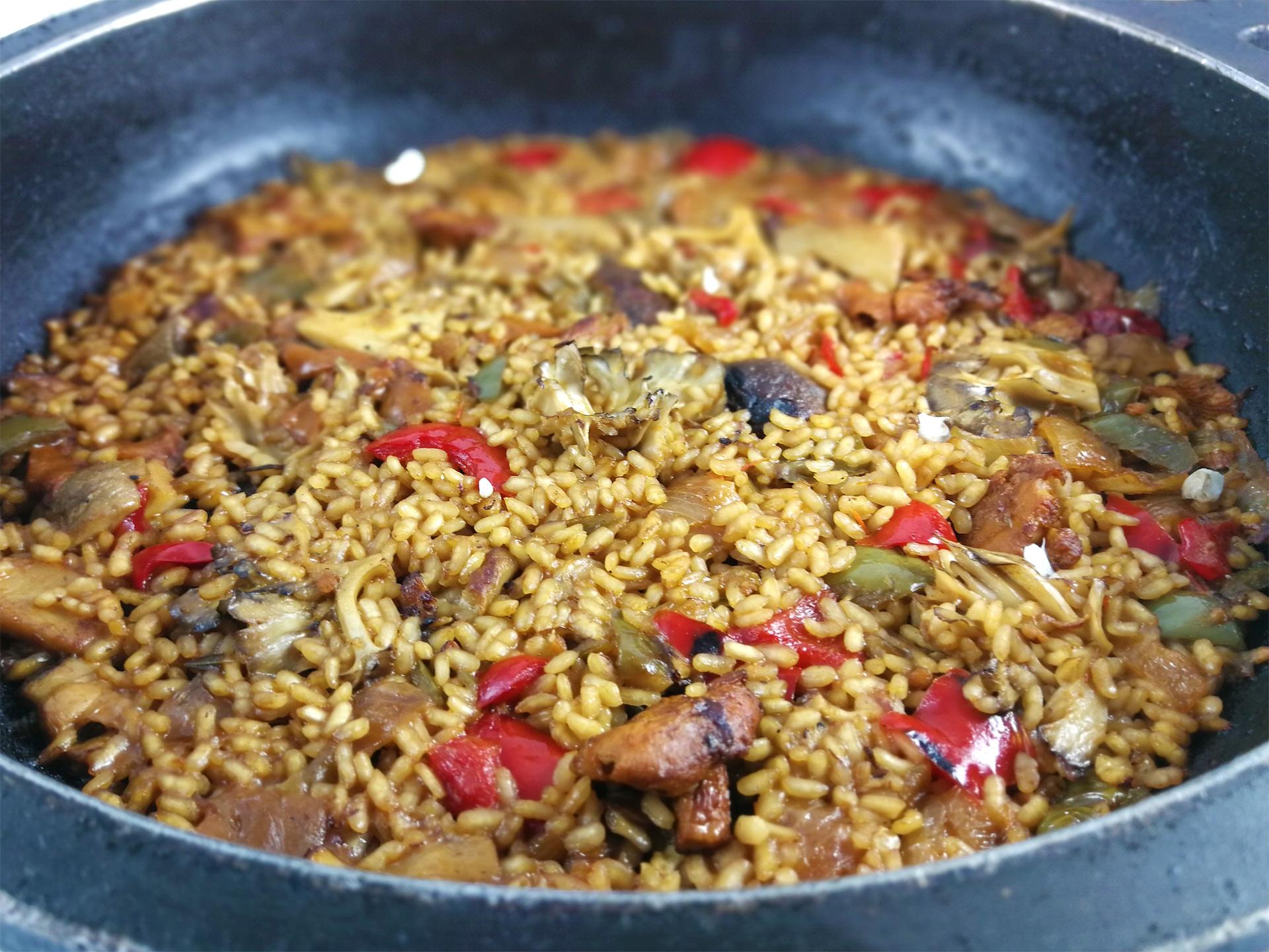 Restaurante braseria en La Roca Village - Les Tres Alzines - Cocina de temporada | Arroz con variado de setas